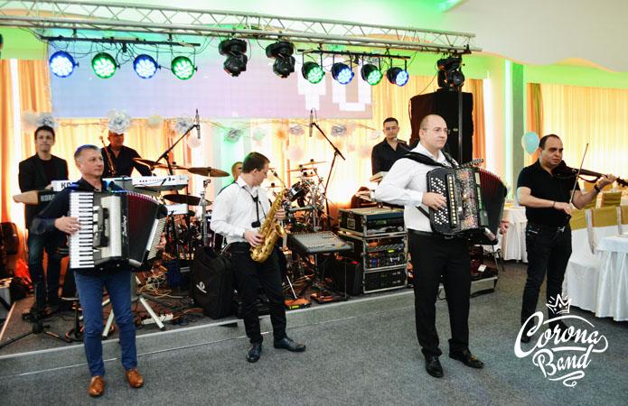 Corona Band - band za punoletstvo