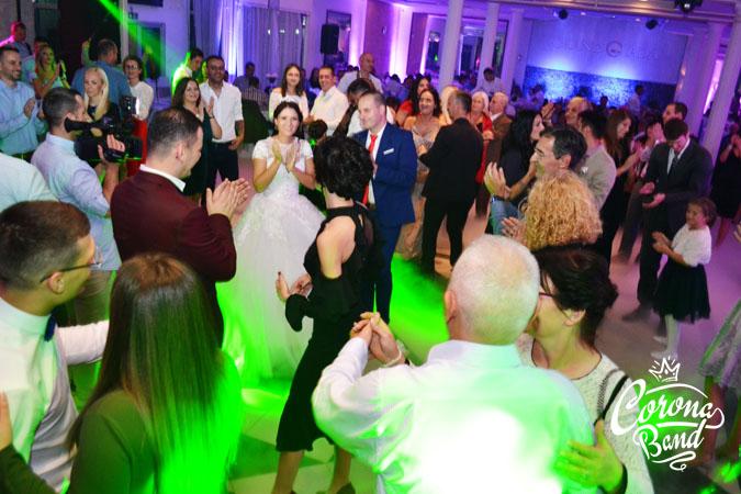 Corona Band - bend za svadbe