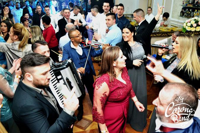 Corona Band - band za vencanje